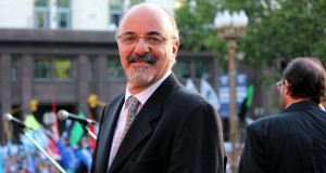 Carlos_Tomada