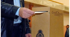 persona-votando-urna-.jpg_869080375